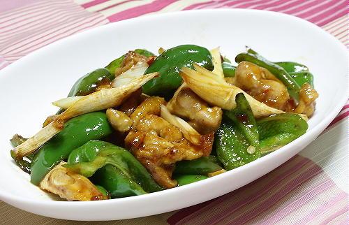 今日のキムチ料理レシピ:鶏肉とピーマンのピリ辛炒め