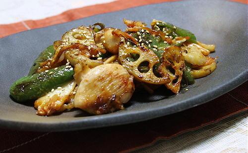 今日のキムチ料理レシピ:鶏肉とレンコンとキムチの甘辛炒め