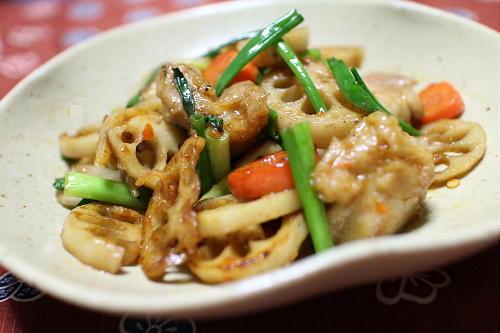 今日のキムチ料理レシピ: 鶏肉とキムチの甘酢炒め