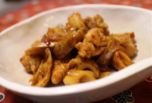 今日のキムチ料理レシピ:鶏もも肉とレンコンのピリ辛黒酢煮