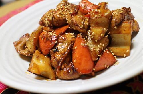 今日のキムチ料理レシピ:鶏肉レンコンのピリ辛炒め