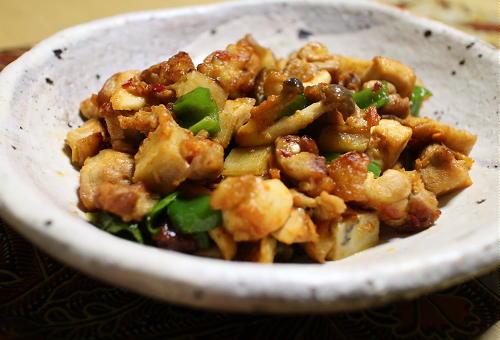 今日のキムチ料理レシピ:鶏もも肉とレンコンのピリ辛炒め