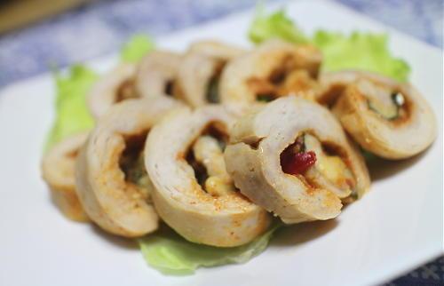 今日のキムチ料理レシピ:鶏肉のピリ辛味噌ロール