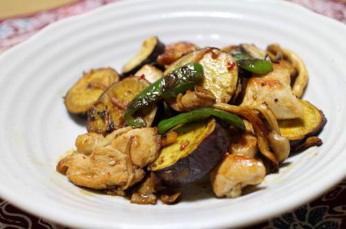 今日のキムチ料理レシピ:さつまいもとキムチのオイスターソース炒め