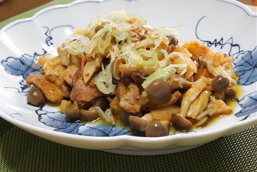 今日のキムチ料理レシピ:鶏肉とキムチのおろし和え