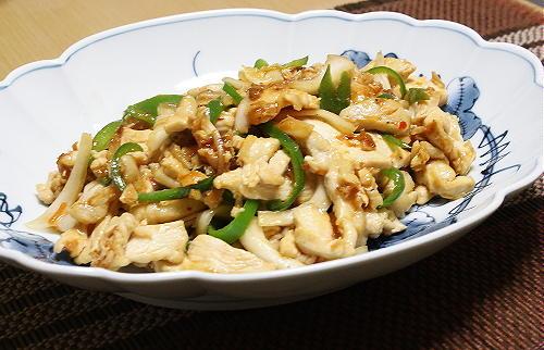 今日のキムチ料理レシピ:鶏肉とキムチの生姜炒め