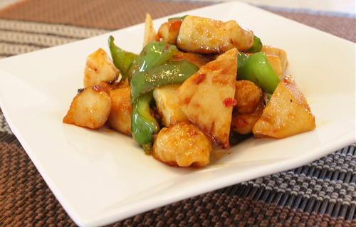 今日のキムチ料理レシピ:鶏肉とピーマンの甘辛炒め