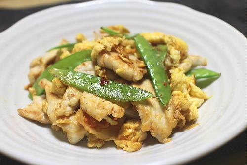 今日のキムチ料理レシピ:鶏肉と卵のキムチ炒め