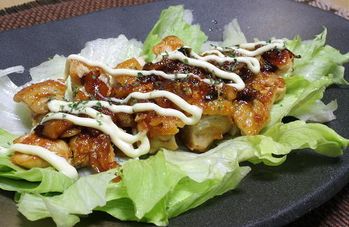 今日のキムチ料理レシピ:鶏肉のキムチ照り焼き