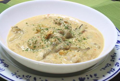 今日のキムチ料理レシピ:鶏肉と白菜キムチの味噌豆乳シチュー