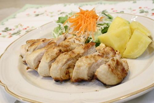 今日のキムチ料理レシピ:鶏肉の味噌キムチ焼き