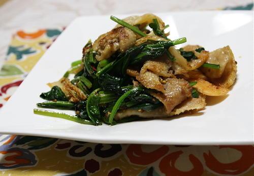 今日のキムチ料理レシピ:鶏皮とキムチの粒マスタード炒め