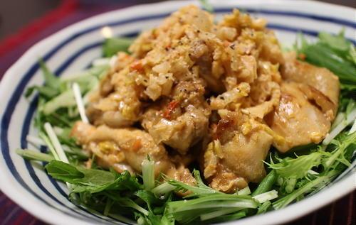 今日のキムチ料理レシピ:鶏もも肉のキムチラッキョウマヨ和え