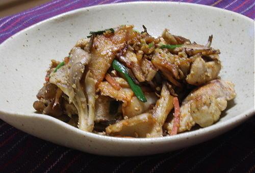 今日のキムチ料理レシピ:鶏胸肉とキムチのごまマヨ炒め