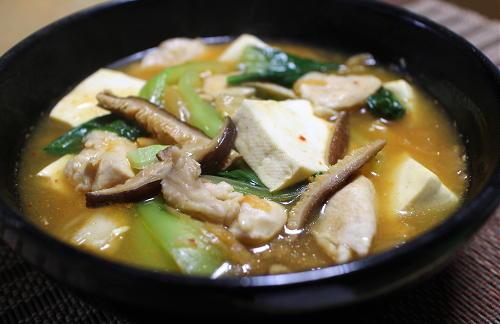 今日のキムチ料理レシピ:豆腐とチンゲン菜とキムチのうま煮