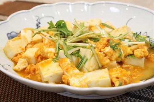 今日のキムチ料理レシピ:豆腐とキムチの甘辛卵とじ