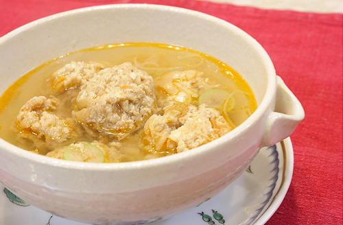 今日のキムチ料理レシピ:キムチ団子スープ