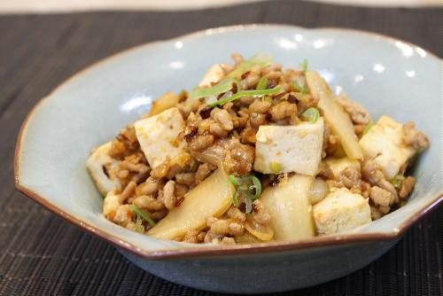 今日のキムチ料理レシピ:豆腐とキムチのひき肉炒め