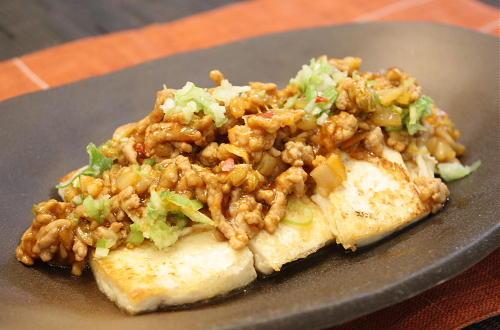 今日のキムチ料理レシピ:豆腐のピリ辛ひき肉あんかけ