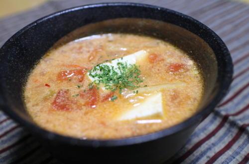 今日のキムチレシピ:豆腐とキムチのトマトスープ