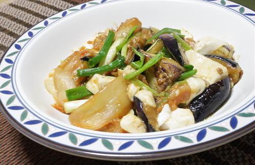 今日のキムチ料理レシピ:茄子と豆腐のキムチ味噌炒め