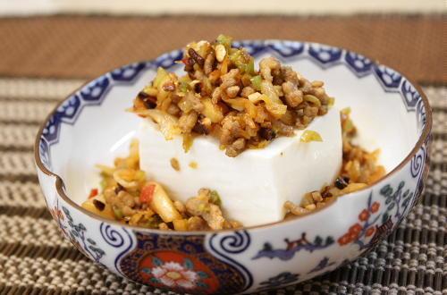今日のキムチ料理レシピ:豆腐のキムチひき肉がけ