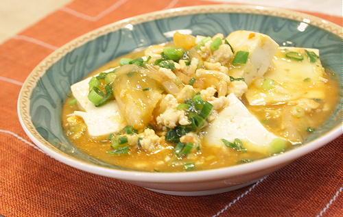 今日のキムチ料理レシピ:豆腐とキムチの鶏ひき肉あんかけ