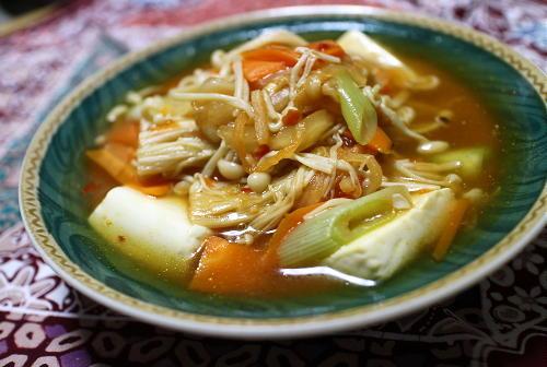 今日のキムチ料理レシピ:たっぷり野菜とキムチの豆腐のうま煮