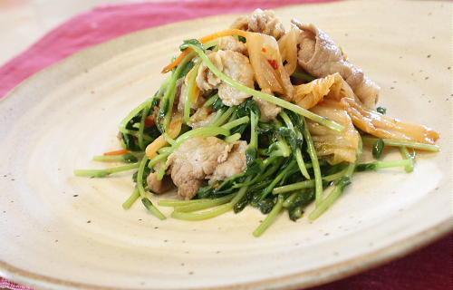 今日のキムチ料理レシピ:豆苗と豚肉のキムチ炒め