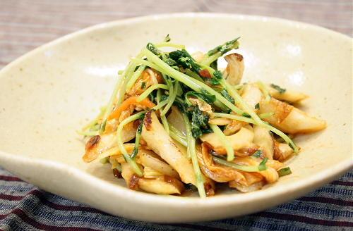 今日のキムチ料理レシピ:豆苗と竹輪のキムチきんぴら