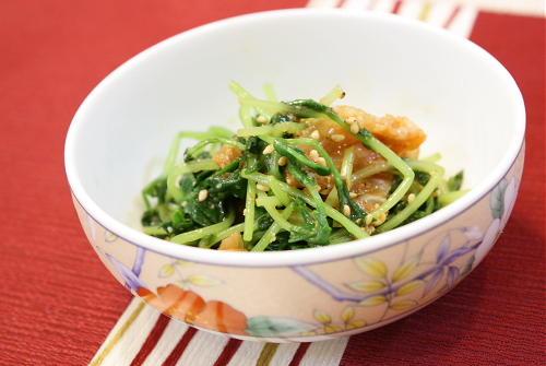 今日のキムチ料理レシピ:豆苗とキムチの胡麻和え