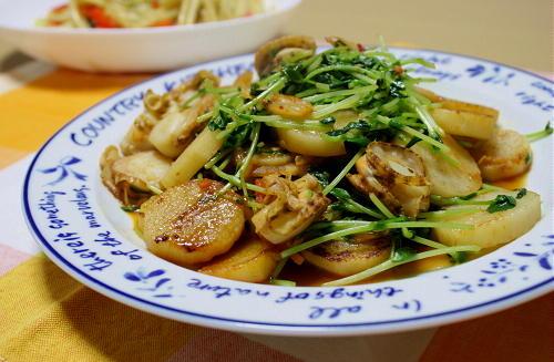 今日のキムチ料理レシピ:ホタテと豆苗のキムチ炒め