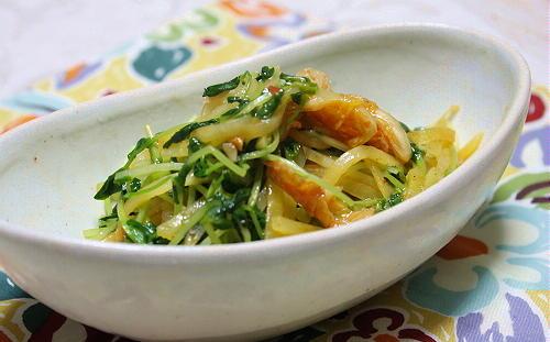 今日のキムチ料理レシピ:豆苗とジャガイモのキムチ炒め