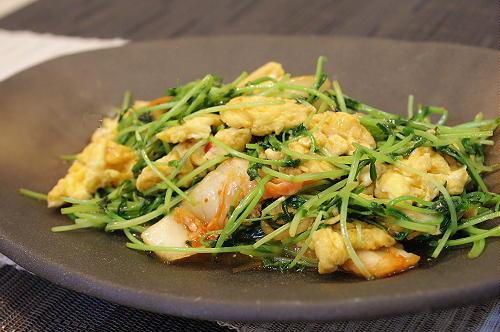 今日のキムチ料理レシピ:豆苗とキムチのオイスターソース炒め