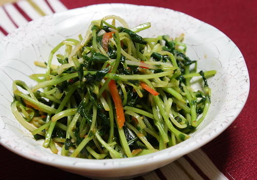 今日のキムチ料理レシピ:豆苗のピリ辛炒め