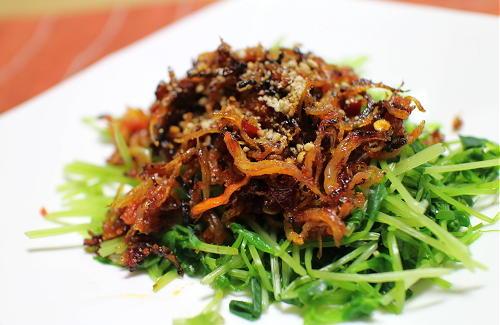 今日のキムチ料理レシピ:豆苗のピリ辛しらすがけ