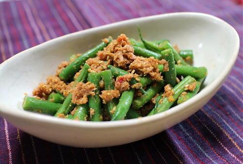 今日のキムチ料理レシピ:いんげんのピリ辛ツナ胡麻和え