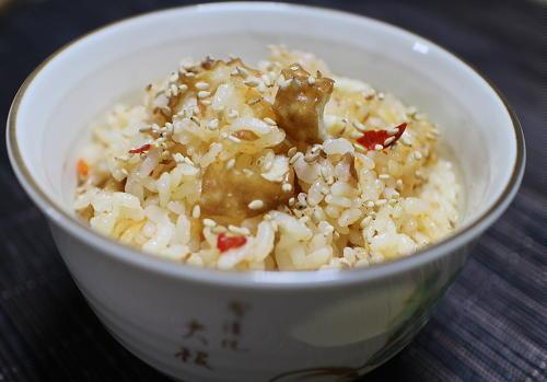 今日のキムチ料理レシピ:ちくわとキムチの炊き込みご飯