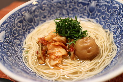 今日のキムチ料理レシピ:梅キムチにゅうめん