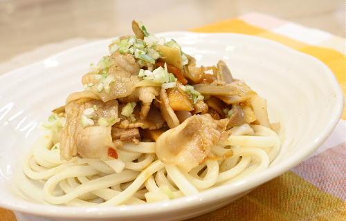 今日のキムチ料理レシピ:和風キムチ焼きうどん