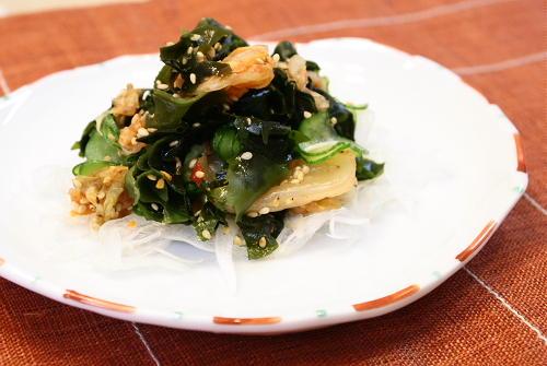今日のキムチ料理レシピ:ワカメとキムチの甘酢和え
