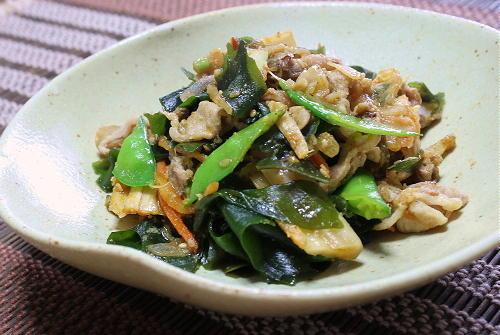 今日のキムチ料理レシピ:わかめとキムチの炒め物