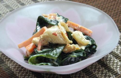 今日のキムチ料理レシピ:わかめとキムチの辛子マヨ和え