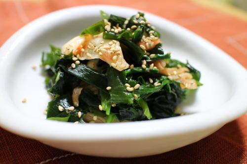 今日のキムチ料理レシピワカメとにらのキムチ和え: