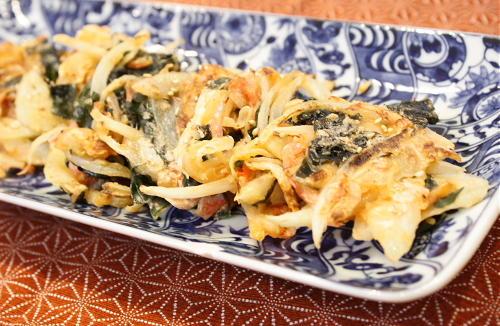 今日のキムチ料理レシピ:わかめとキムチの一口焼き