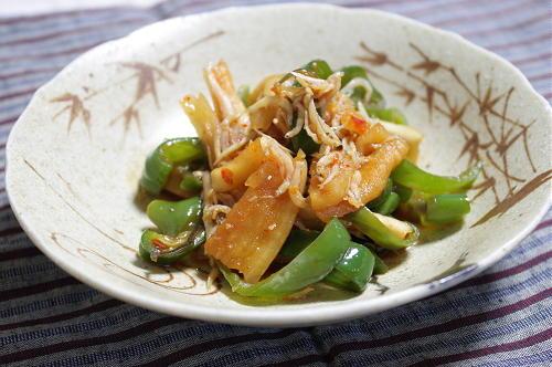 今日のキムチ料理レシピ:ピーマンと割干しキムチのさっと煮