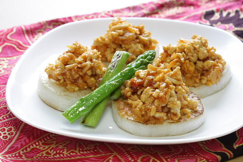 今日のキムチ料理レシピ:焼き大根のキムチひき肉あん
