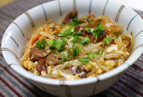今日のキムチ料理レシピ:焼き鳥缶とキムチの親子丼