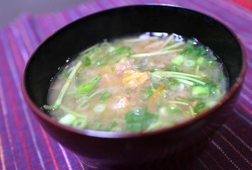 今日のキムチ料理レシピ:キムチと薬味のお味噌汁
