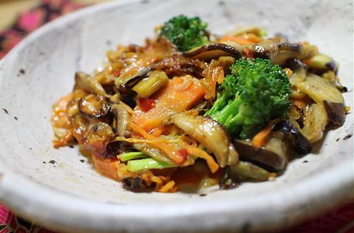 今日のキムチ料理レシピ:野菜とキムチのチーズ炒め